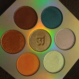 Fenty highlighter palette